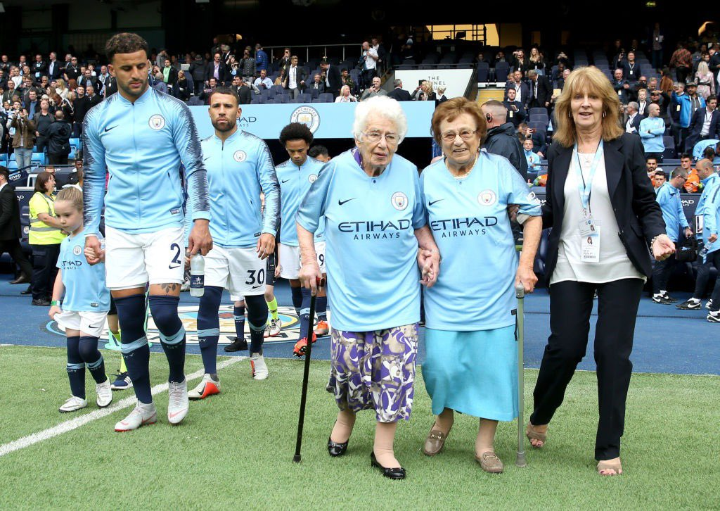 A belated very happy 100th birthday to lifelong City fan Olga Halon. It was a pleasure to meet you and Vera at the stadium a few years ago when you led the team out onto the pitch. Everyone here at @ManCity hopes you had a very special day' https://t.co/sBputM1ALC