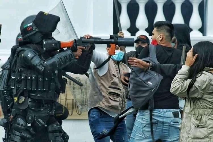 @nytimes THE GOVERNMENT KILLS US EL GOBIERNO - NOS MATA #EstadoAsesino #SOSColombia #SOSColombia #SOS #UribeGenocida #MasacreEnColombia @Declaracion @ONU_es @CNN  @bbcmundo @dw_espanol @nytimes @POTUS @VP @elpost @elpais_espana #SOSColombiaDDHH NO HUMAN RIGHTS - NO HAY DERECHOS HUMANOS https://t.co/9VAVYV5G0I