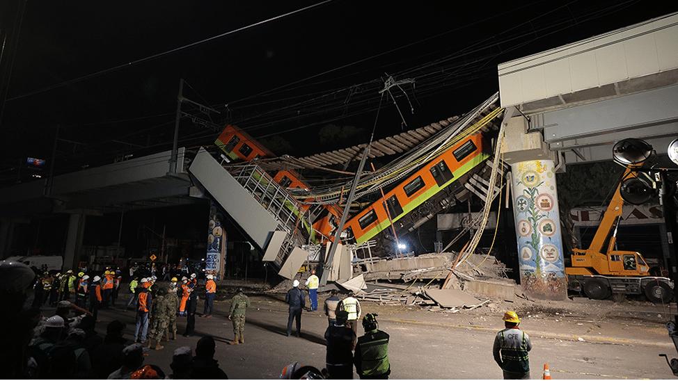 Mexico City metro overpass collapse kills 23 Photo
