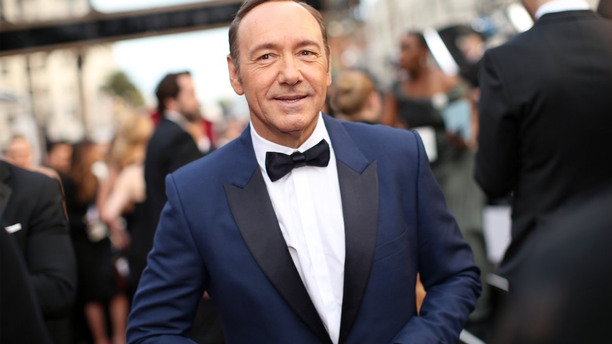 Judge orders Kevin Spacey accuser to reveal his identity in order to continue with lawsuit Photo