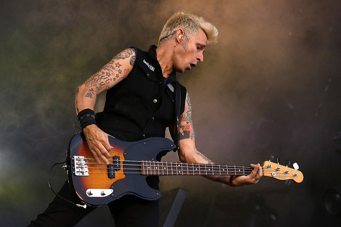Happy Birthday 04/05/1972 Nasce Mike Dirnt (Green Day)
