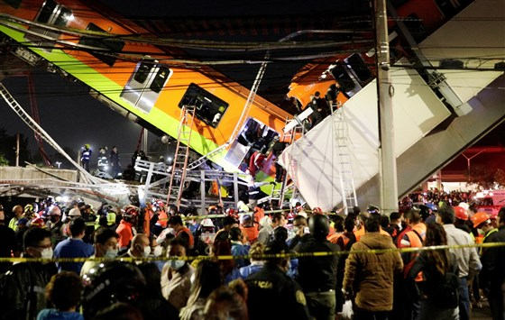 At least 27 dead after Mexico City subway overpass collapses Photo