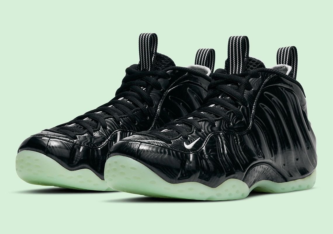 Available via @ebaysneakers (After Market) Nike Air Foamposite One
