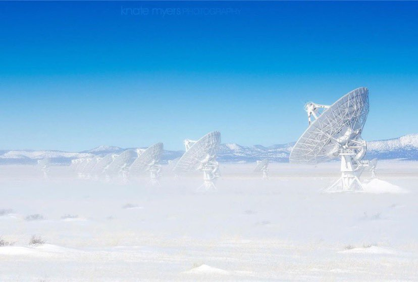 @TheNRAO #MayThe4thBeWithYou   A view from the Rebel Base on Planet Hoth that looks similar to the Very Large Array on a cold, windy day :)  📷 Knate Meyers