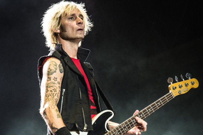 Happy Birthday Mike Dirnt of Green Day born this day 1972