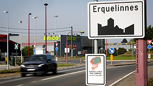 Belgian farmer moves border with France by mistake Photo
