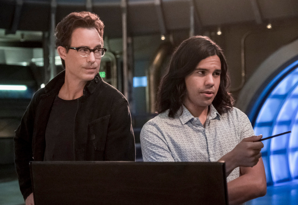 'The Flash' Original Cast Members Tom Cavanagh & Carlos Valdes Exit The CW's Series After 7 Seasons Photo