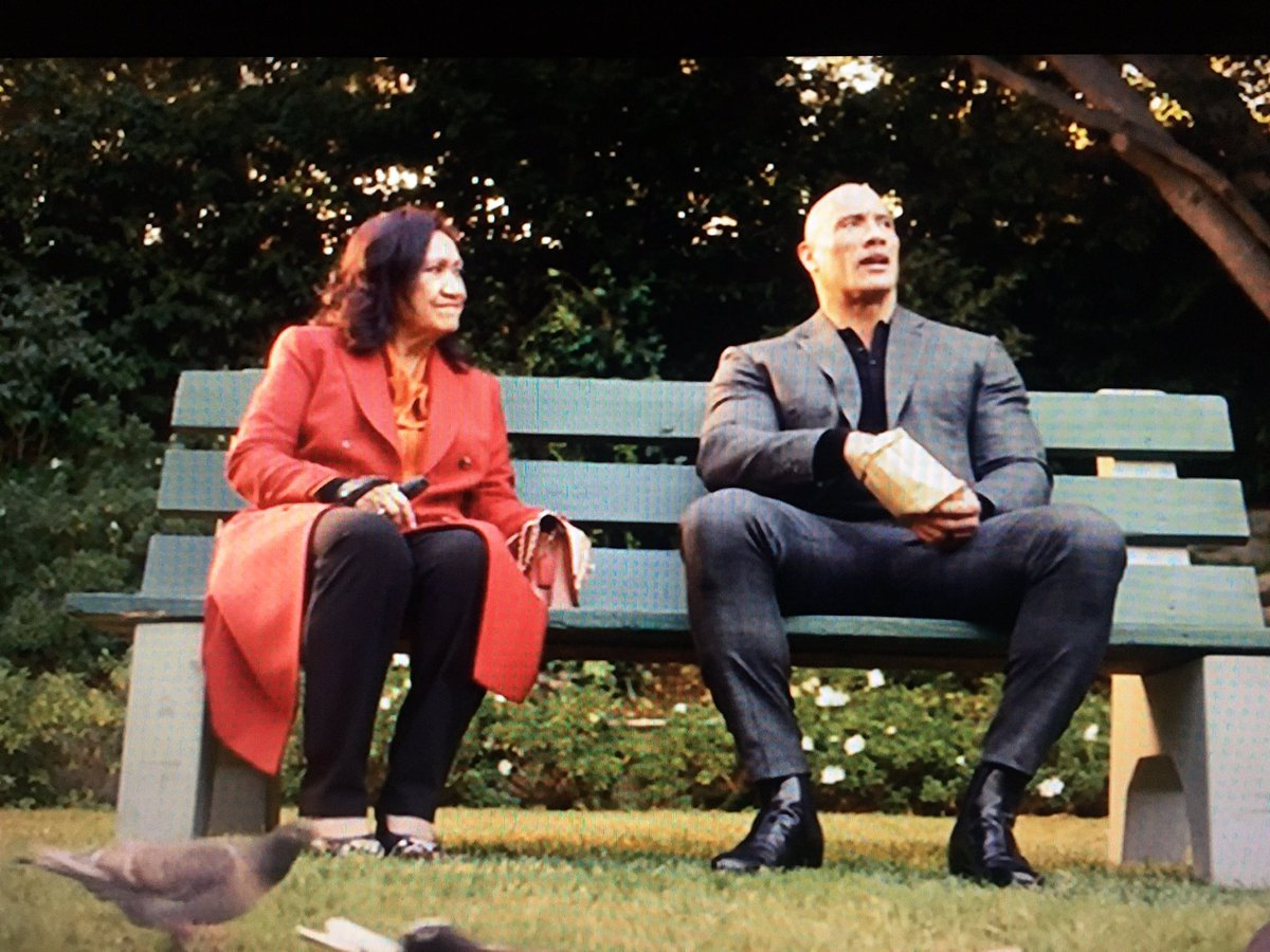 Sorry Forrest Gump, my new favorite park bench scene comes c/o #youngrock and future #potus @TheRock. Another amazing episode #theYoungRock #therock