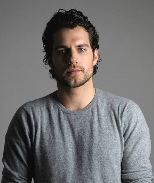 Happy birthday to my twi-- i mean actor Henry Cavill