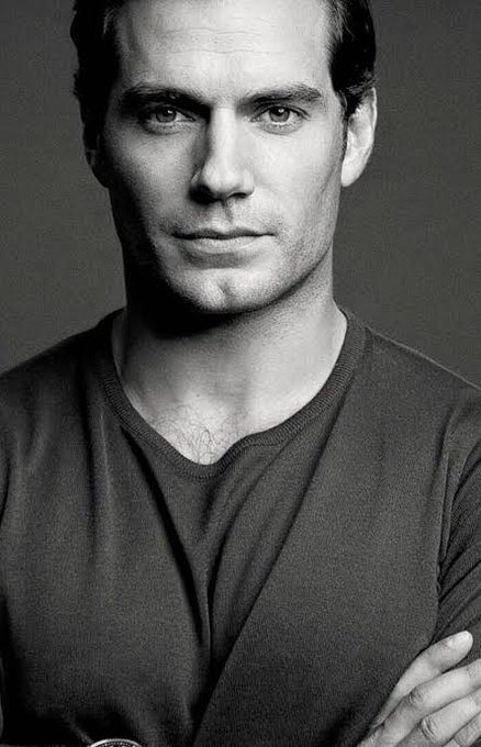 Happy birthday to The King that is Henry Cavill