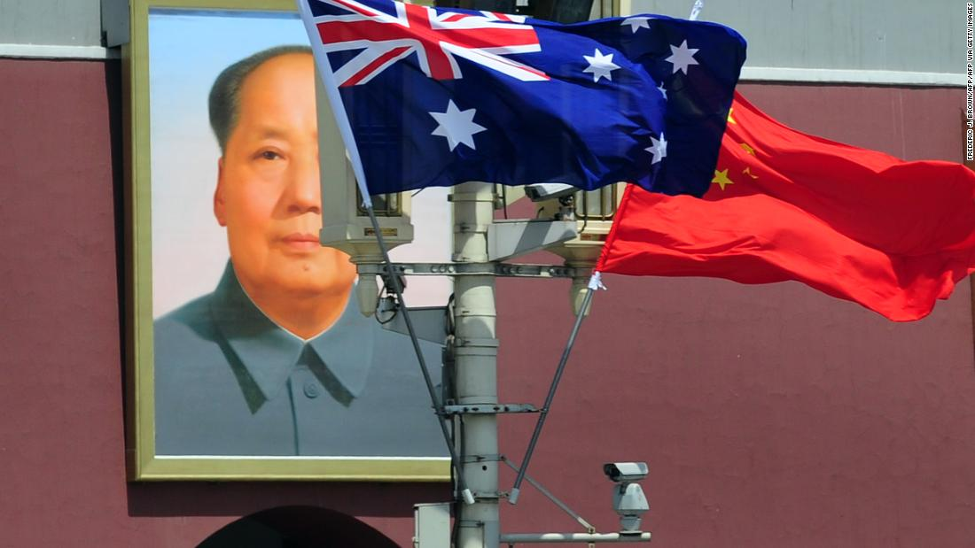 Why are Australian officials hinting at war with China? Photo