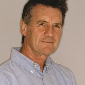 A very happy birthday to sir Michael Palin!! Today is Palin day!!