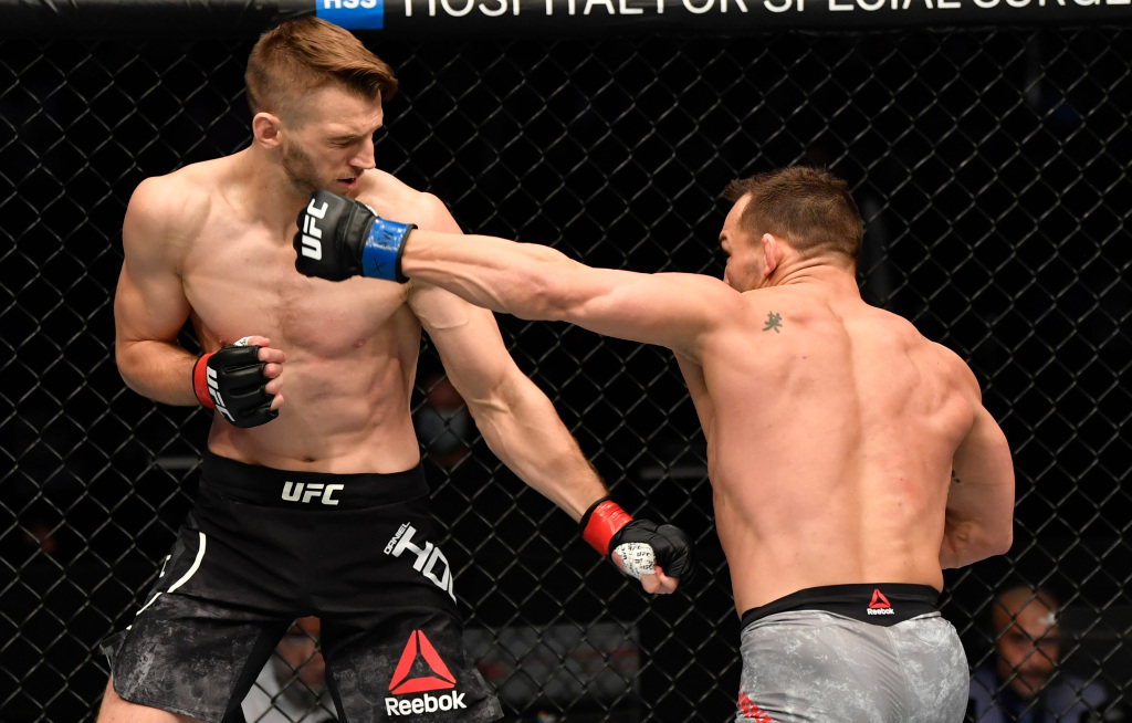 UFC free fight: Michael Chandler takes out Dan Hooker in promotional debut   #UFCvegas19 #UFC259 #UFC260 #UFCFightnight #MMA #UFC https://t.co/EIo84r4Mw1