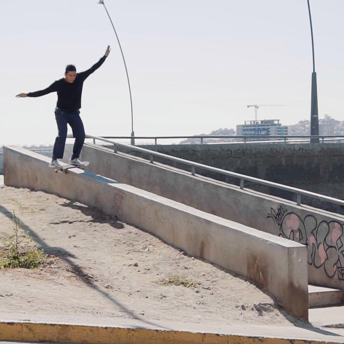 🍿🍿🍿  w/ Stavros Razis & Juan Carlos Aliste #Skateboarding #MonsterEnergy https://t.co/lGTH8v2Ry4