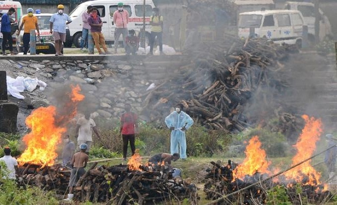 COVID is killing 120 people an hour in India, and it could stay really grim for months Photo