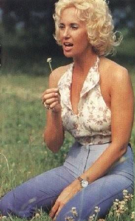 Happy Birthday Tammy Wynette!