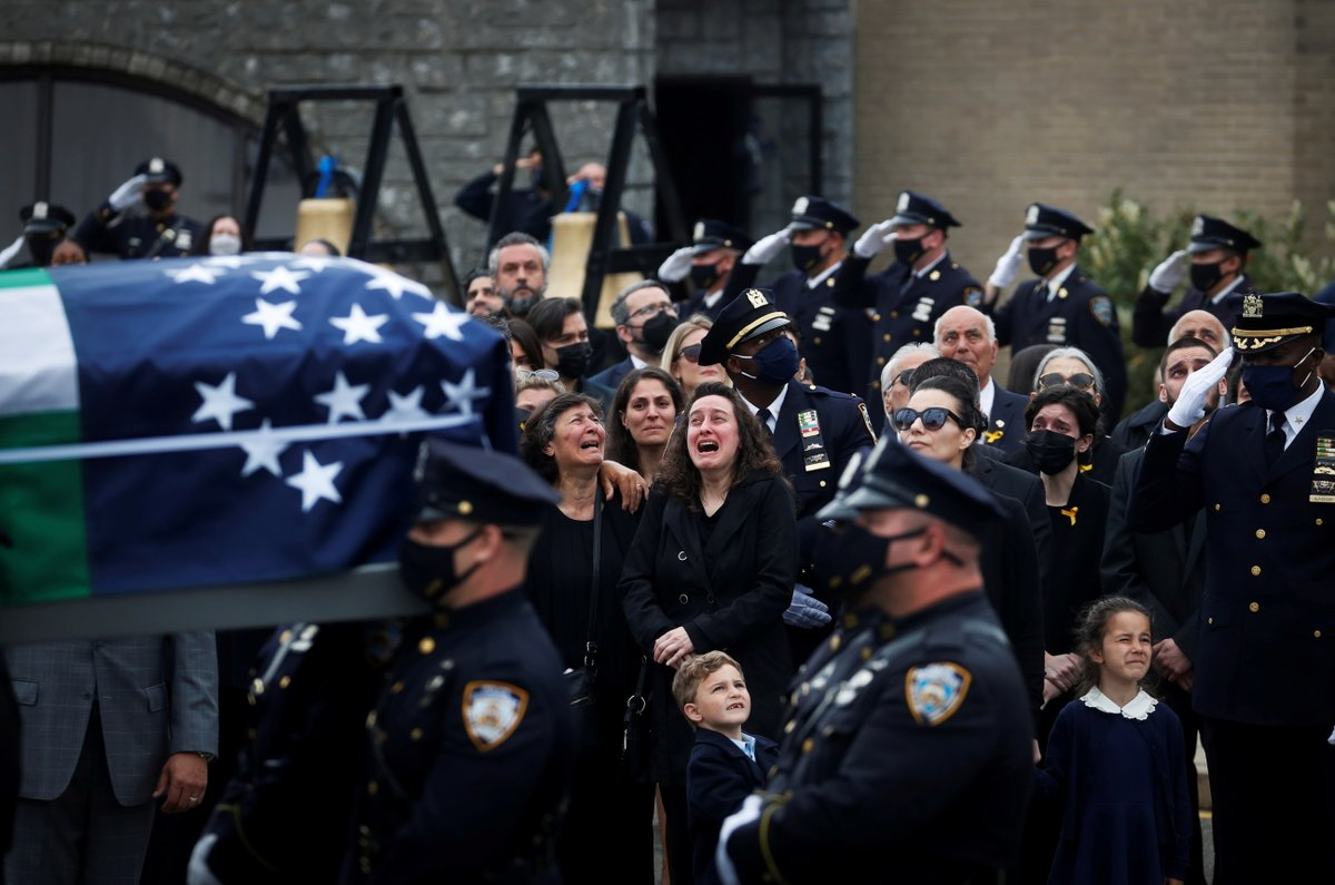 The family of NYPD officer Anastasios Tsakos, who was killed in the line of duty by an impaired driver while responding to a highway crash, react after his funeral service in Greenlawn, New York. More photos of the day: https://t.co/XN6Y89c7EY 📷 Shannon Stapleton https://t.co/GLA9fGNwTr