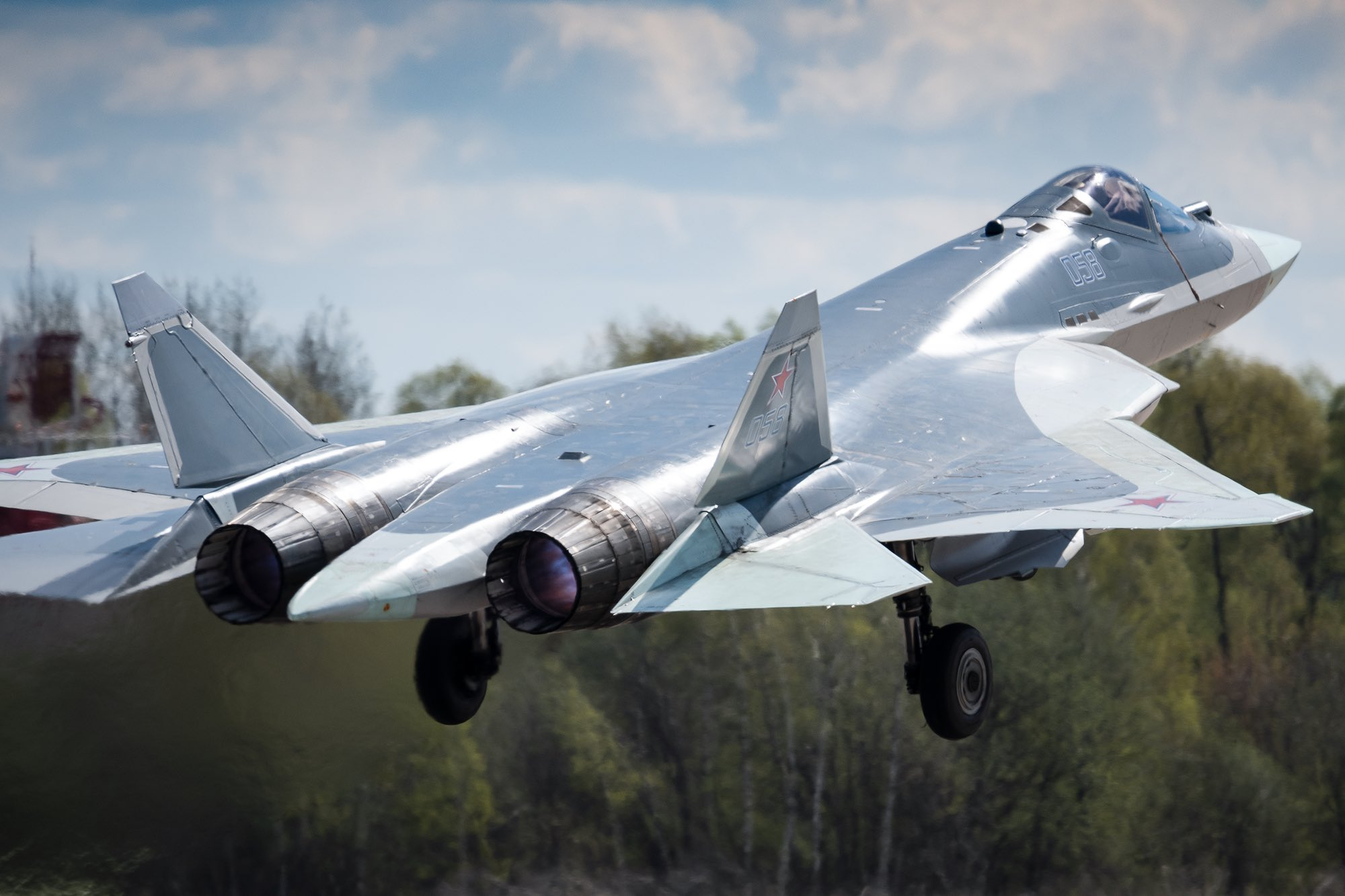 Su-57 Stealth Fighter: News #7 - Page 20 E0pYcURXsAQJusJ?format=jpg&name=large