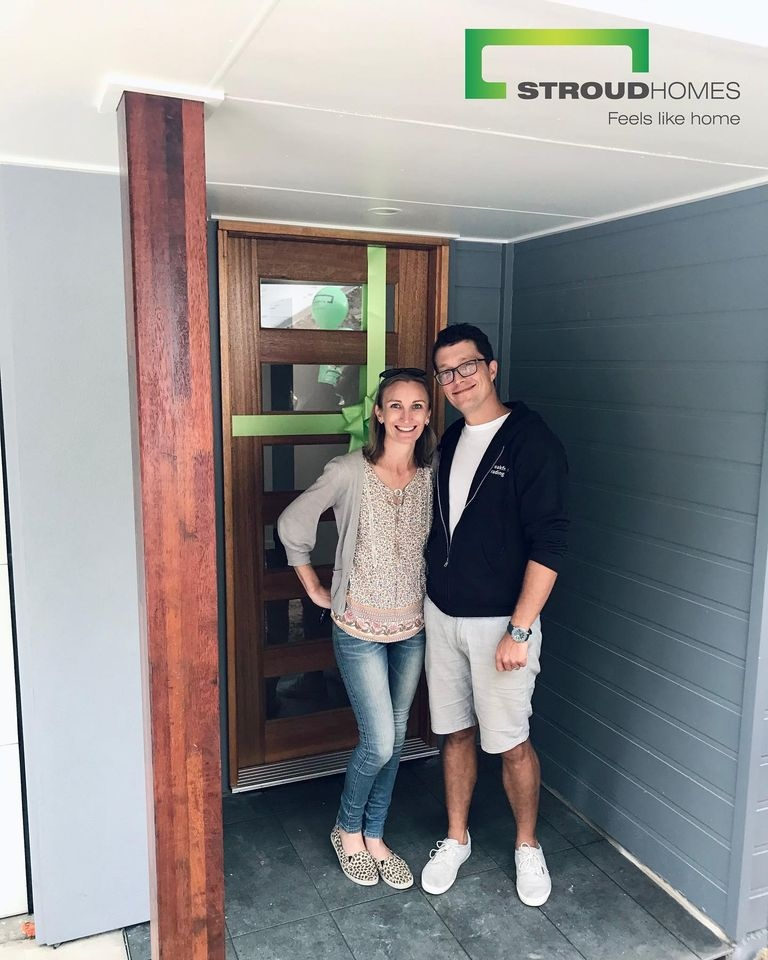 Stroud Homes Caloundra were excited to hand over the keys to Justin and Ange for their new custom Wildflower 267 with Granny Flat home. #stroudhomes #feelslikehome #blackandwhitequotes #happy #exciting #lovedbyyou #wildflower267 #wildflower267withgrannyflat #grannyflat #newhome https://t.co/ptU4EAvamN