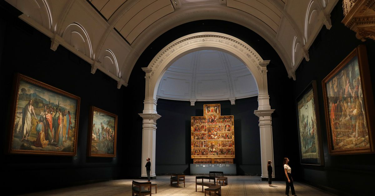 Ahead of re-opening, London's V&A museum unveils new Raphael gallery https://t.co/pvKwgbjJrj https://t.co/QHTYC8M8mr