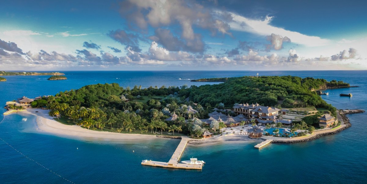 Melinda Gates rented out Calivigny Island in Grenada to avoid the media after her divorce announcement.  The private island goes for $132,000 a night.  (h/t @nypost) https://t.co/Fj6bi9blgO