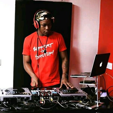 A warm happy birthday to di rain maker @Deejaycacie256 let's dance support or shut up yooo enjoy your day bro the vice president of light skin people association trying to get rid of us but i beg don't drink like of last time otherwise this time around we may find you in one... https://t.co/64wQbwRjMj