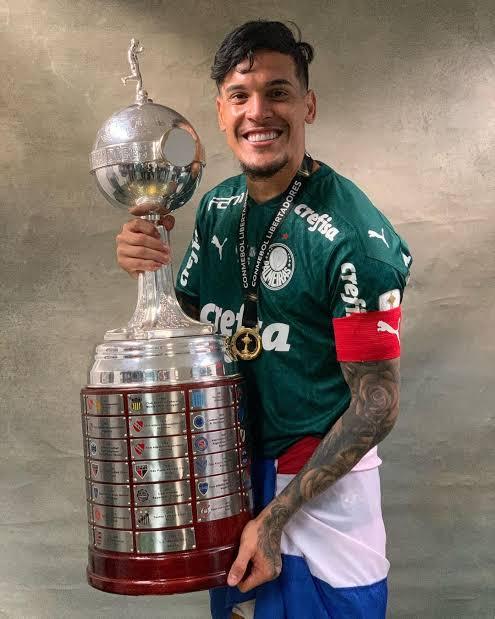 RT @sepmemes_: O Gustavo Gómez é um dos melhores zagueiros que você já viu jogar no Palmeiras? https://t.co/voBWc6DDSM