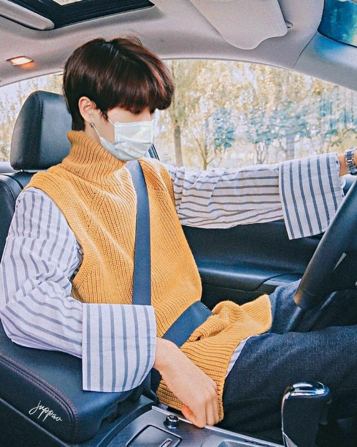 RT @qkkaSung: han jisung                          HAN JISUNG drives                           DRIVES STAY CRAZY https://t.co/bkWucXUUtP