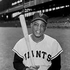 HAPPY BIRTHDAY WILLIE MAYS!  born 5/6/31, Westfield, AL., Birmingham Black Barons 1948 - 50, Signed New York Giants 1950, 1951 National League ROY, 20-time All Star CF., NL MVP 1954 & 1965, Elected Baseball Hall of Fame 1979 https://t.co/Wng9OGviMM #SanFranciscoGiants https://t.co/q8FDODi74n