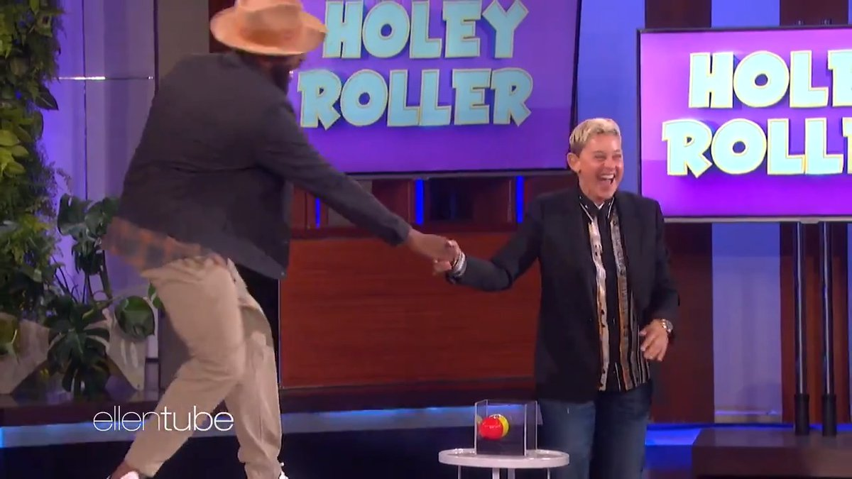 Playing #HoleyRoller gives me twinkle toes.