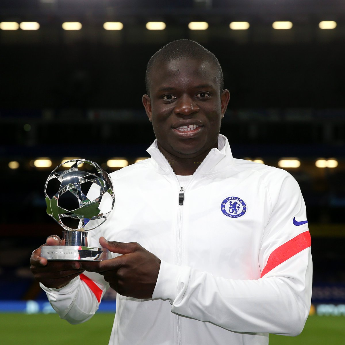 🔵 Kanté in the knockout stages...  🥇 𝐏𝐥𝐚𝐲𝐞𝐫 𝐨𝐟 𝐭𝐡𝐞 𝐌𝐚𝐭𝐜𝐡 🆚 Atlético, round of 16, 2nd leg 🥇 𝐏𝐥𝐚𝐲𝐞𝐫 𝐨𝐟 𝐭𝐡𝐞 𝐌𝐚𝐭𝐜𝐡 🆚 Real Madrid, semi-finals, 1st leg 🥇 𝐏𝐥𝐚𝐲𝐞𝐫 𝐨𝐟 𝐭𝐡𝐞 𝐌𝐚𝐭𝐜𝐡 🆚 Real Madrid, semi-finals, 2nd leg  #UCL https://t.co/UCQyDCHwtP