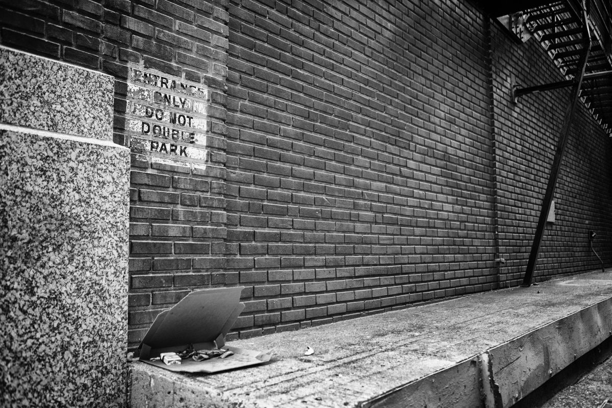 Remnants of Saturday Night  #DesMoines #PhotoOfTheDay #blackandwhitephotography https://t.co/CB1DYJzrMX