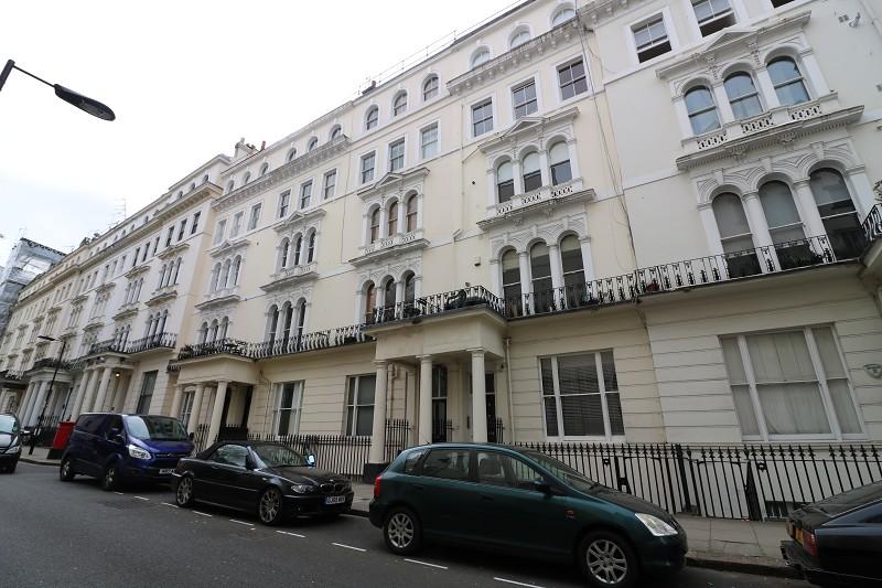LET: Kensington Gardens Square #NottingHill #Bayswater. Apartment / Studio - 0 bed £1,050.00pcm https://t.co/5q6eIoyHyC https://t.co/HgCd6Hlcq3