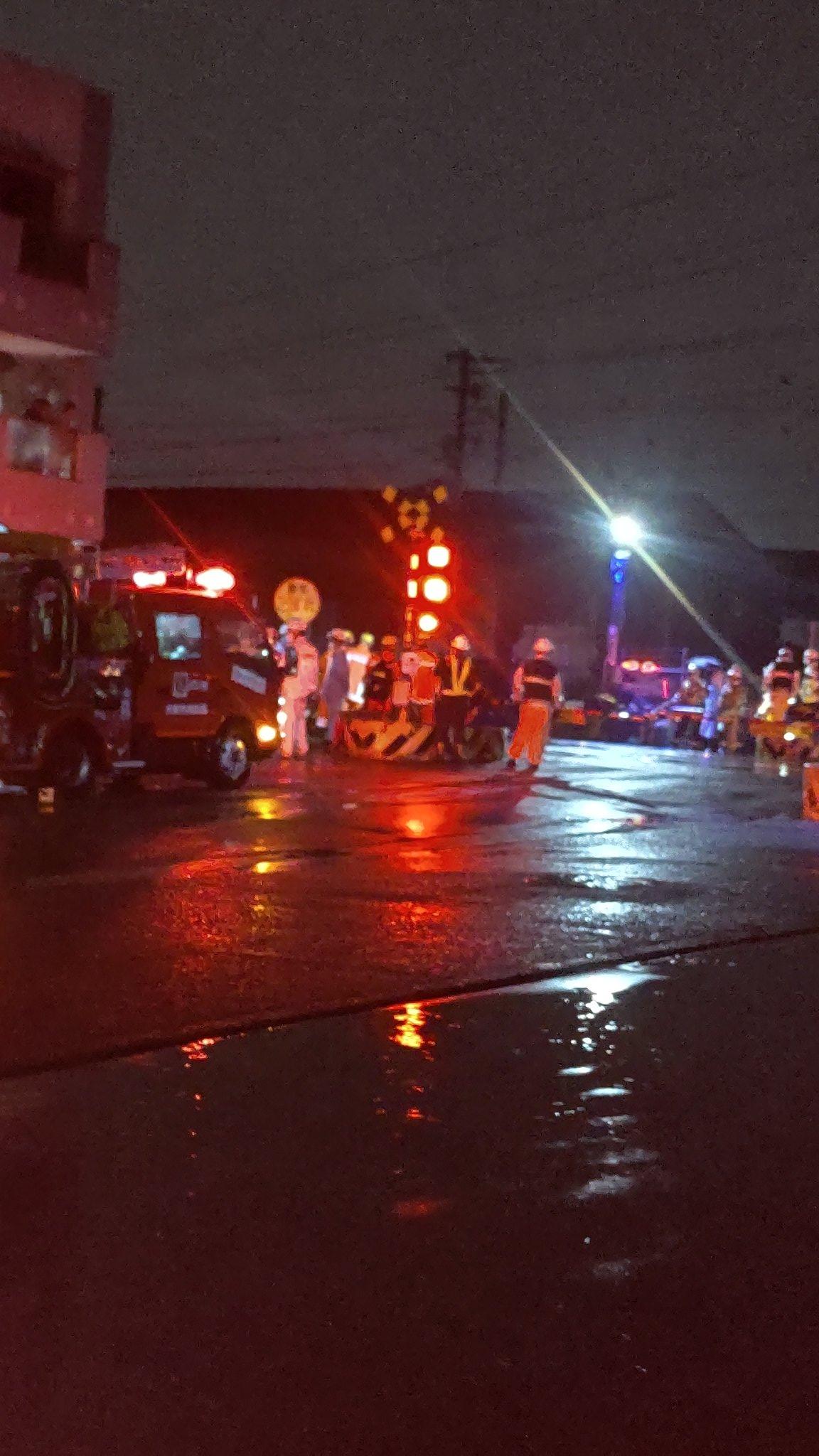 大和路線の平野駅~加美駅間の踏切で人身事故の画像