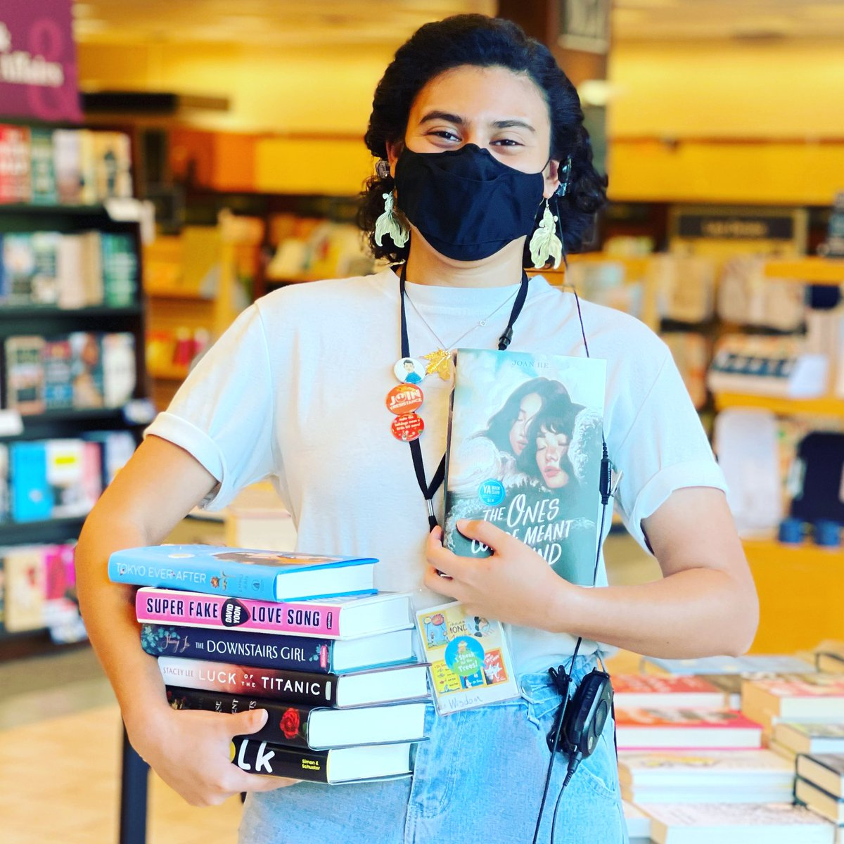 Come in to see our YA New Releases inspired by some great Asian Authors!  To honor #aaipheritagemonth   @emikojeanbooks @davidoftheyoon @staceyleeauthor @thechloegong @choitotheworld @joanhewrites  #ya #asian #asianauthors #newrelease  #yabooks https://t.co/DJH7WxPdua