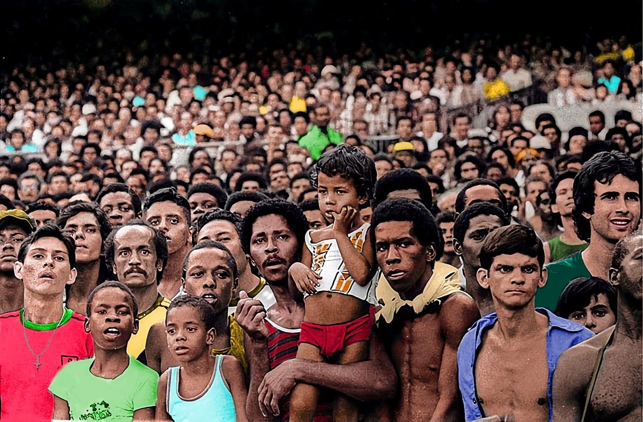 FOTOS HISTORICAS O CHULAS  DE FUTBOL - Página 5 E13AdqAWQAAAsOq?format=jpg&name=large