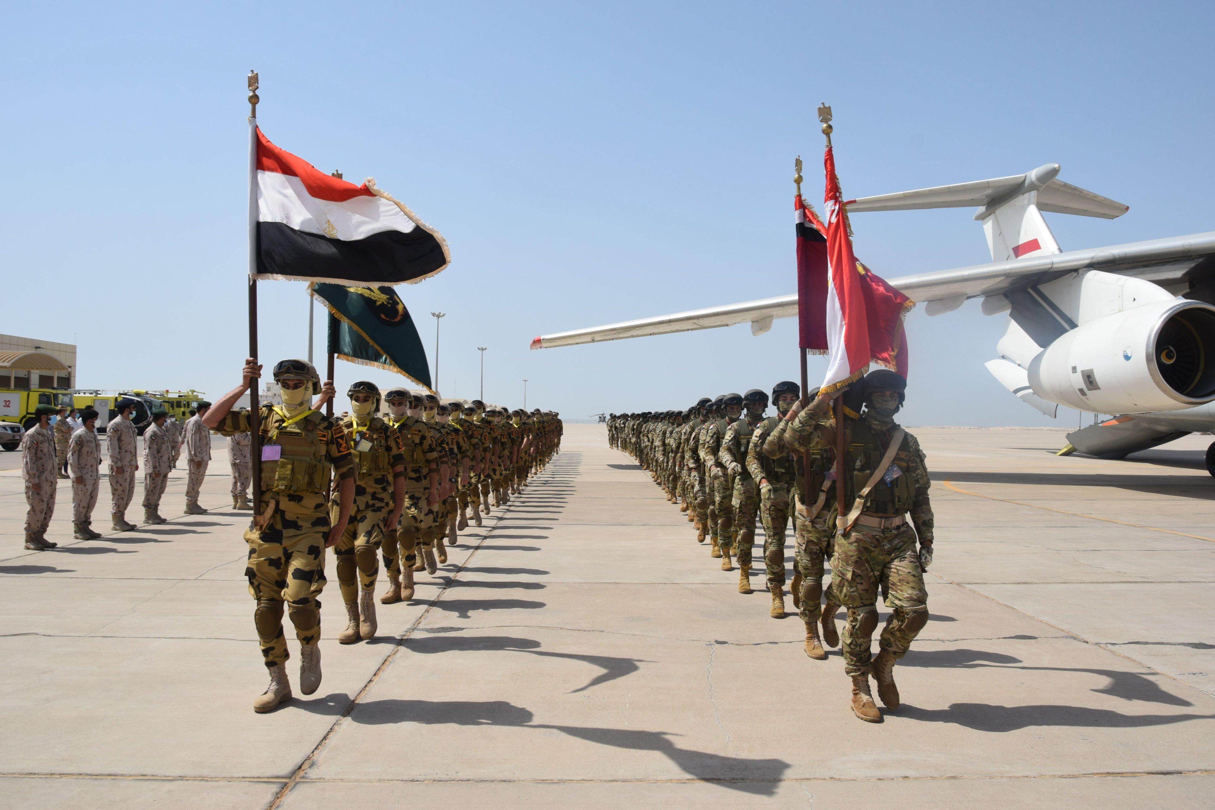 """انطلاق التمرين العسكري """"زايد 3"""" بين الإمارات ومصر E151l9xWYAEC2Tk?format=jpg&name=4096x4096"""