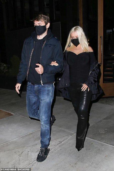 Christina Aguilera >> preparando nuevo álbum - Página 16 E158LMcWQAE5--V?format=jpg&name=small