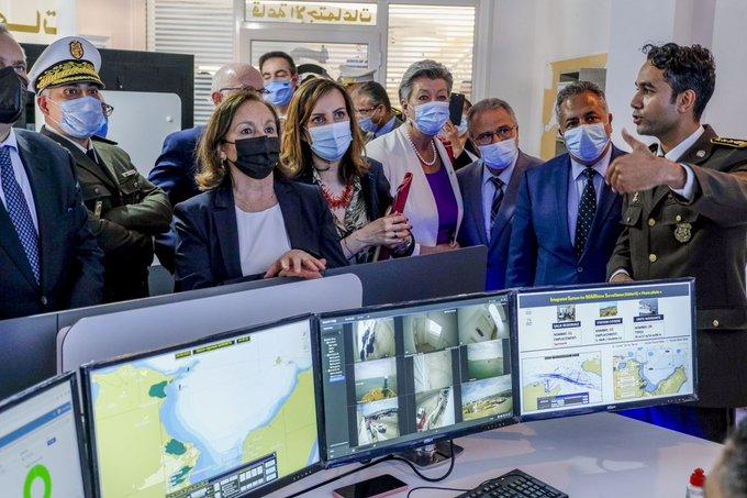 Ylva Johansson zu Besuch im Betriebsraum der Garde Nationale Maritime in Tunesien.
