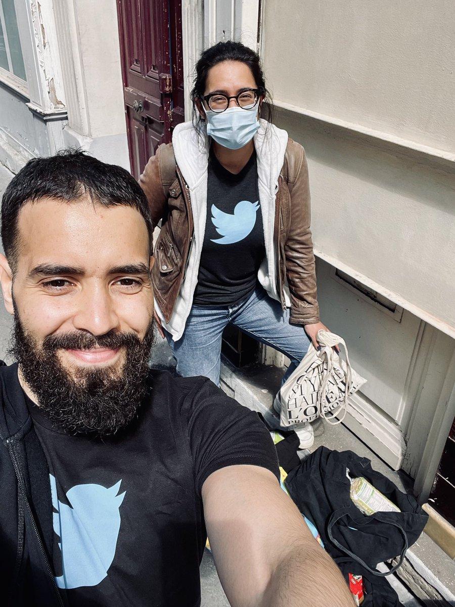 111 kg de denrées alimentaires et de produits d'hygiène remis à l'association @StudHelp_ en cette fin de journée #TwitterForGood  Merci à StudHelp et toutes les initiatives de solidarité locales qui se mobilisent contre la précarité étudiante d'autant plus en cette période 💙 https://t.co/EfN7QdWi3L