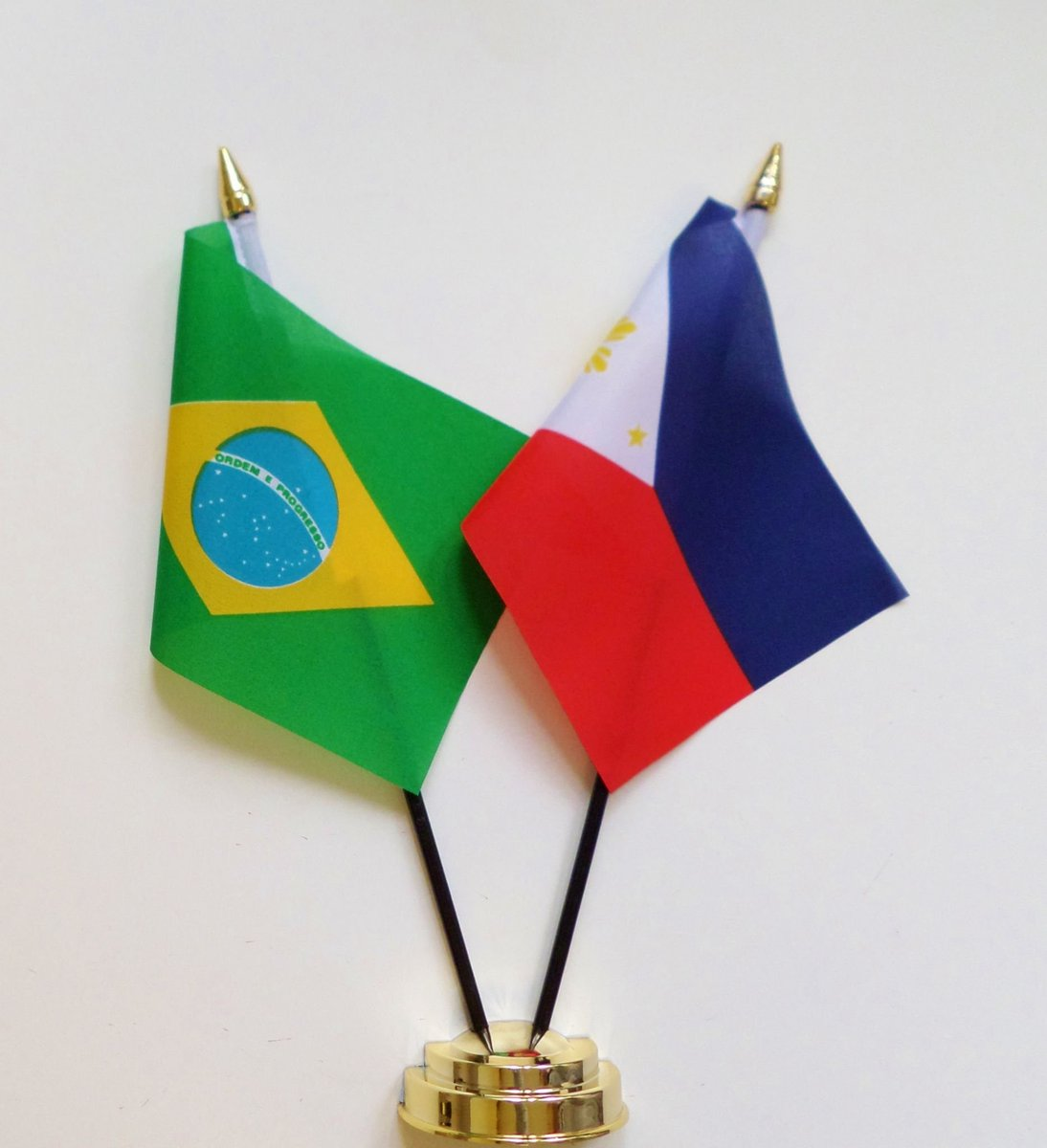 brazil and the philippines are the same country and i can prove it: a thread by a brazilian with a lot of filipino friends https://t.co/gp0X8ZKsWA