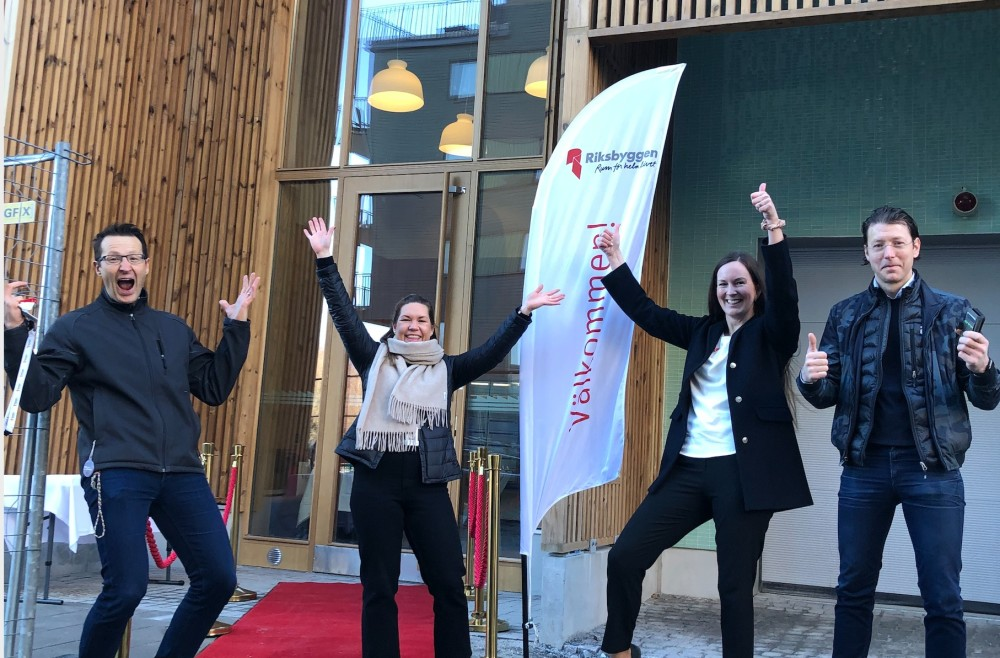 Röda mattan utrullad efter säljsuccé i Riksbyggens Brf Djurgårdsvyn https://t.co/JwTwn7AW47 https://t.co/Pk0Go7uFv5