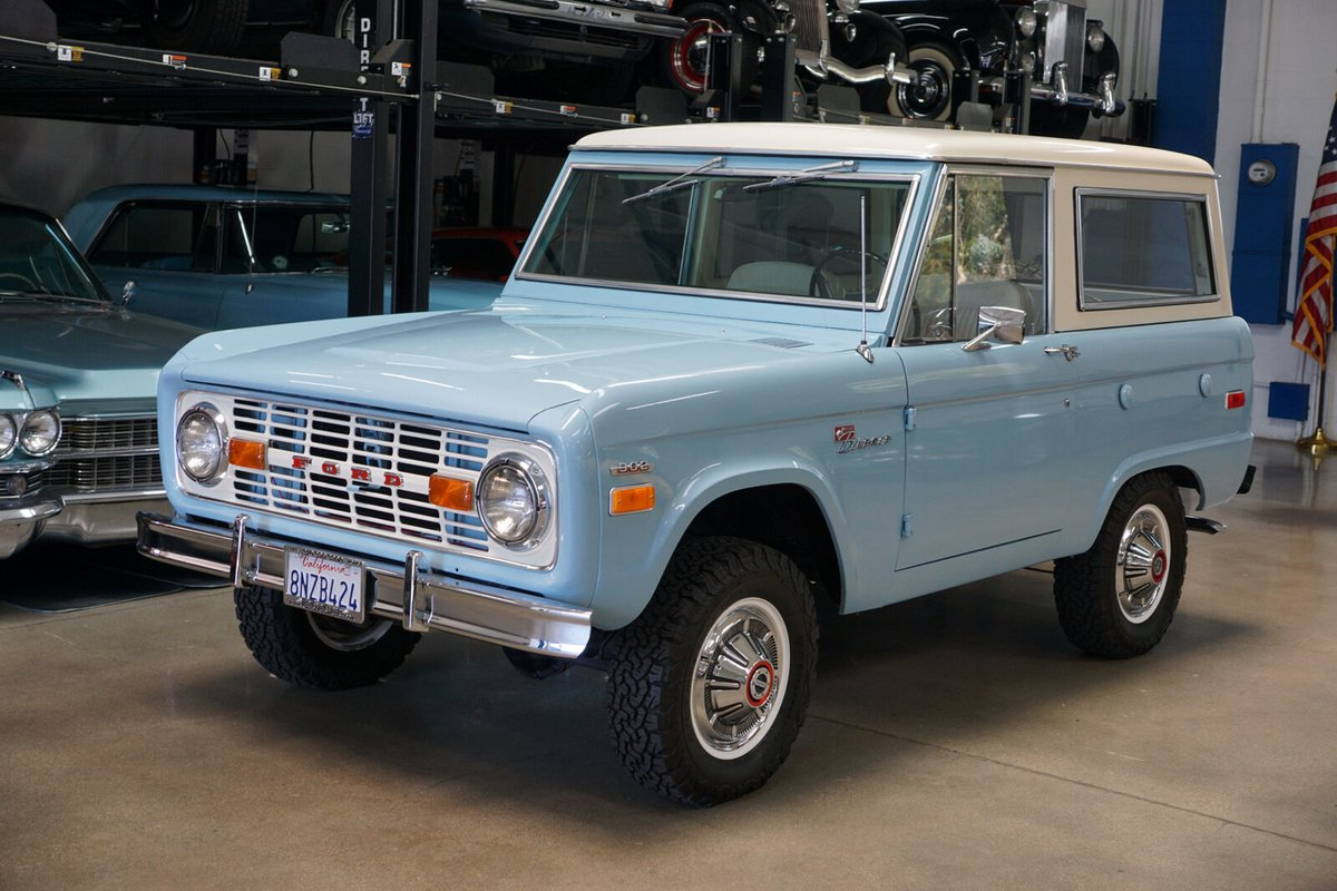 ad: 1971 Ford Bronco Sport 4WD Wagon - 2
