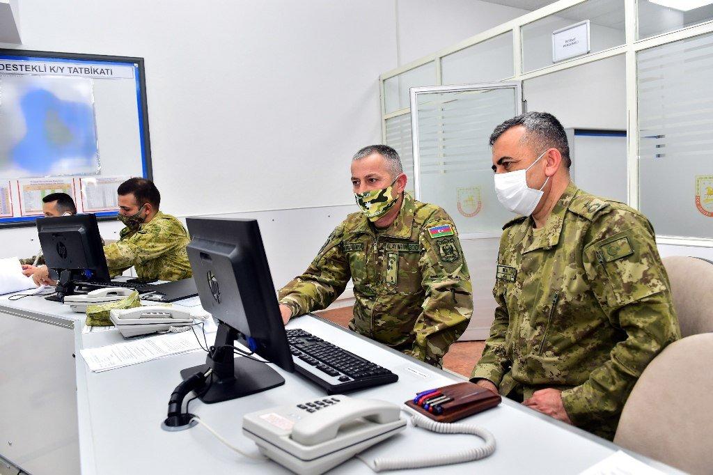 """T.C. Millî Savunma Bakanlığı on Twitter: """"Efes-2021 Bilgisayar Destekli Komuta Yeri Tatbikatı; Kara, Deniz ve Hava Kuvvetleri ile Özel Kuvvetler arasındaki iş birliğini artırmak amacıyla Ege Ordusu Komutanlığı karargâhı ve birlikleri ile"""