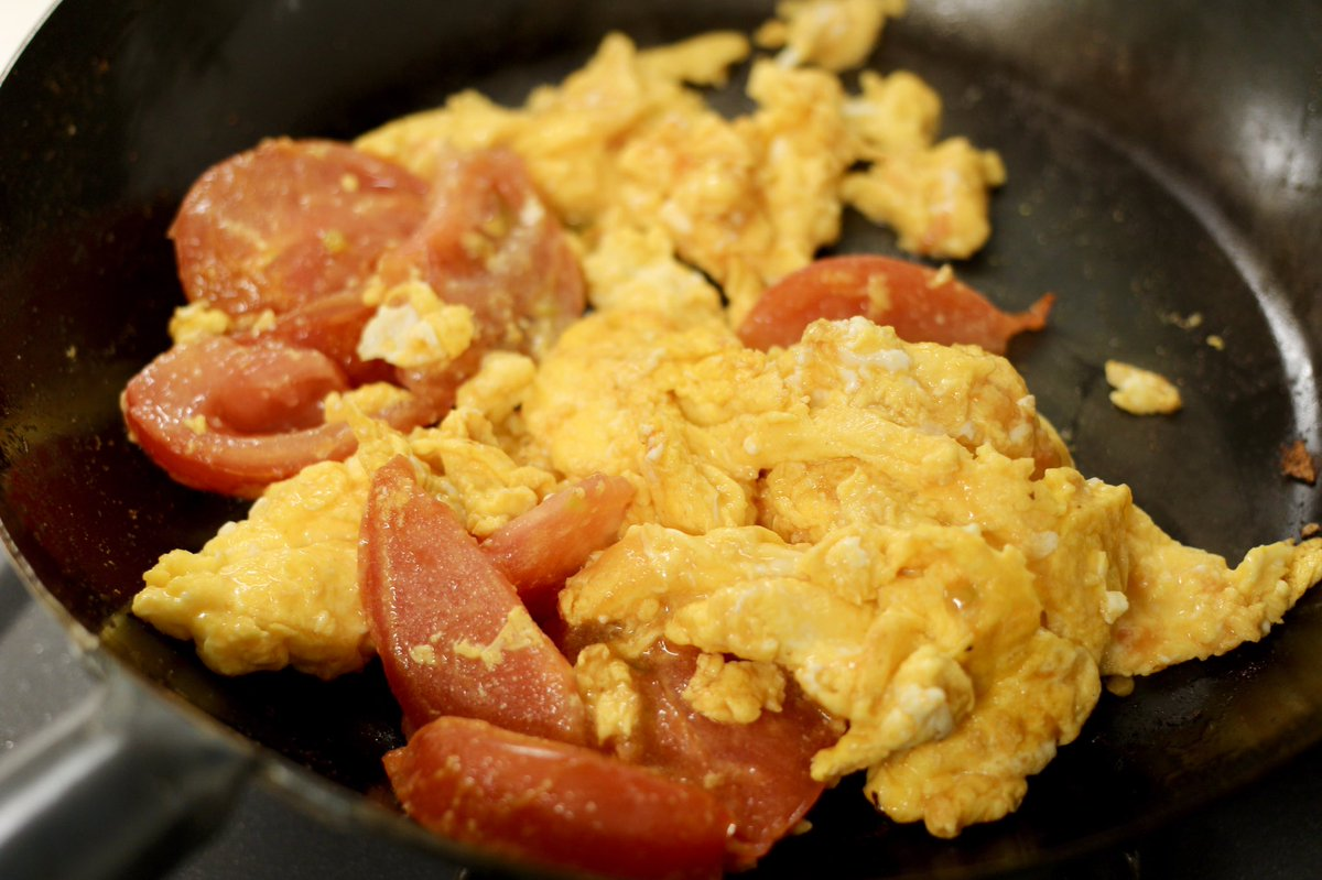 ある調味料を入れることで冷めてもふわふわに?!卵を炒める料理をするとき、知っておきたいテクニック!