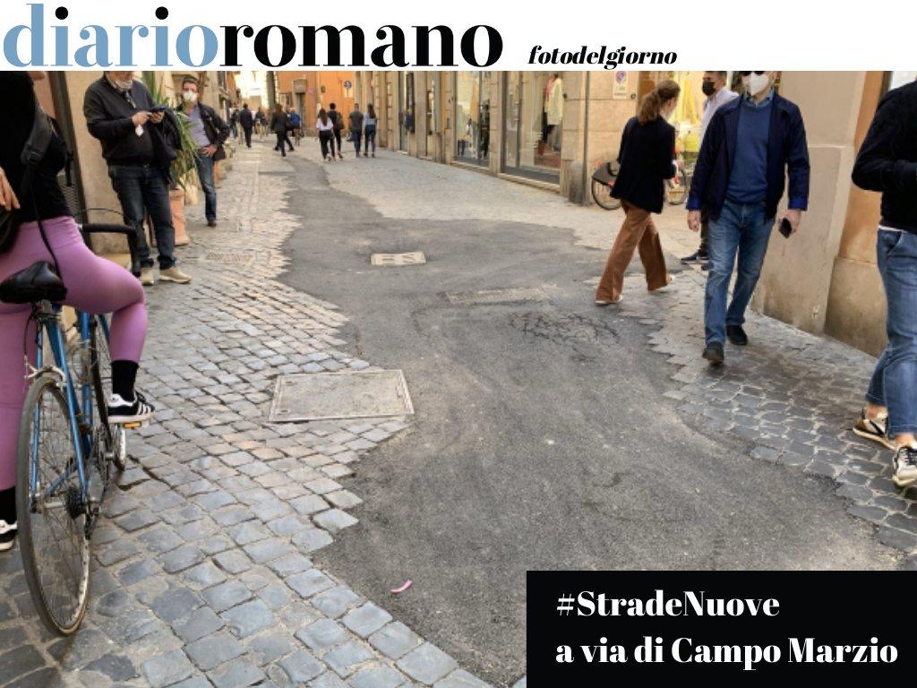 test Twitter Media - Il recente intervento sulla rete del gas ha regalato a via di Campo Marzio questa bella pecionata. Perché non ripristinare subito il selciato? #Roma #fotodelgiorno https://t.co/2jR003KHef