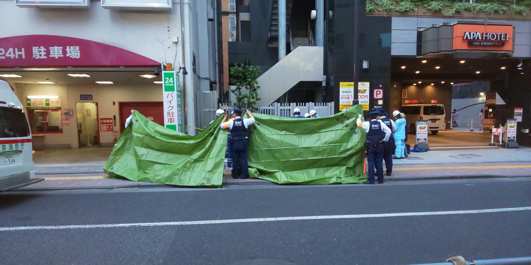 歌舞伎町のアパホテルで飛び降り自殺の現場の画像