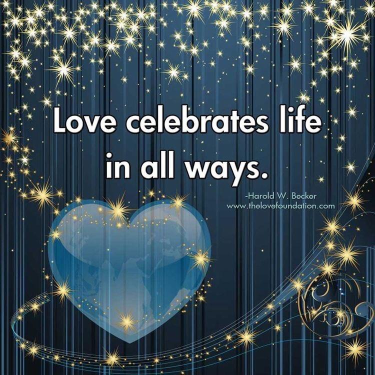 #LightUpTheLove #LUTL #IAMChoosingLove #mondaythoughts  #quotefortheday  #starfishclub  #whatyouwantnowu  #FamilyTrain  #JoyTrain  #GoldenHearts  #ThinkBigSundaywithMarsha