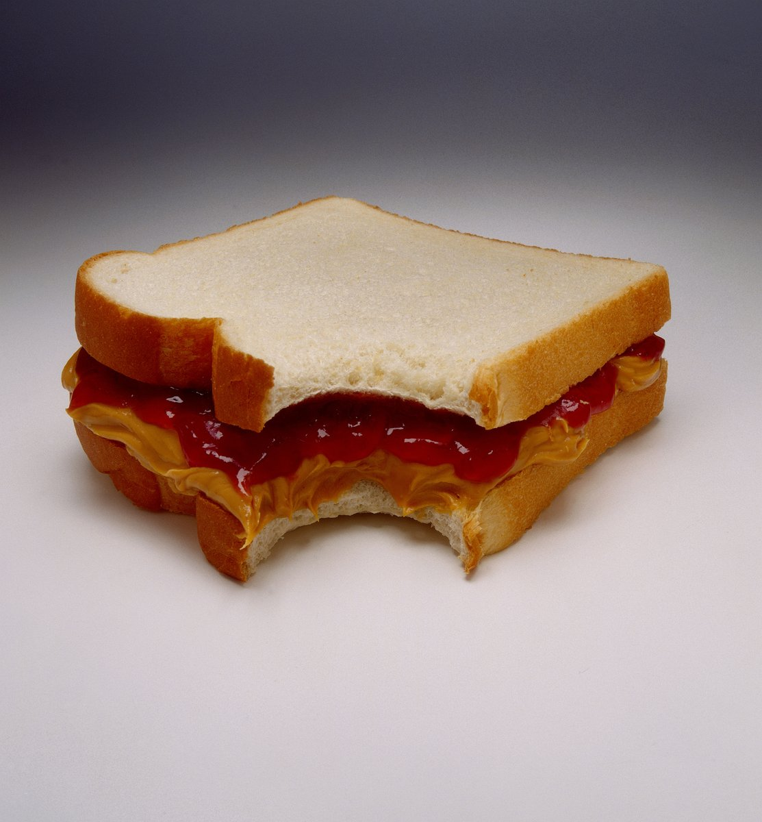 ok so which is the superior sandwich... a PB&J or a grilled cheese? (be nice!) https://t.co/fJi3sWiAqv