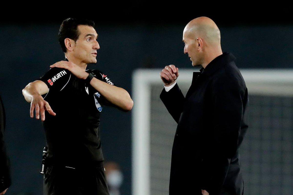 غلاف ماركا   يد سوداء. في ريال مدريد هم